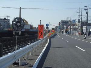 R16天神橋付近は橋の架け替えに伴って車線規制が行われていますので要注意。
